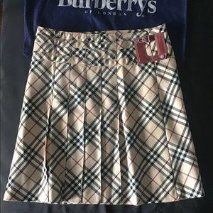 🛍BURBERRY London Blue Label Classic Check Skirt